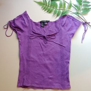 Purple cap sleeve fitted top.